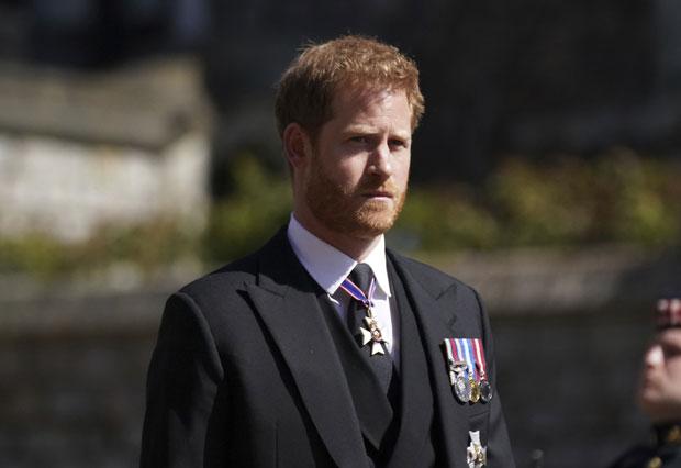 Harry sốc trước sự tiếp đón lạnh nhạt của hoàng gia, trở về Mỹ cũng không ngừng dằn vặt, trong khi Meghan có thái độ trái ngược - Ảnh 1.