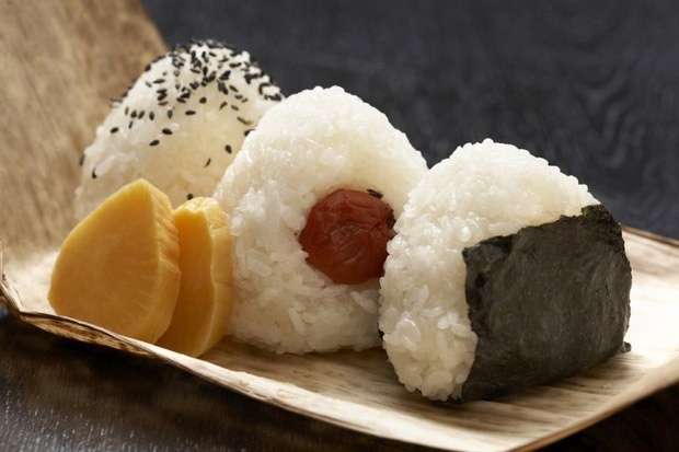 Cùng coi cơm là thực phẩm chính, tại sao người Nhật có tuổi thọ trung bình rất cao so với các nước? Hóa ra là nhờ 3 bí quyết - Ảnh 2.