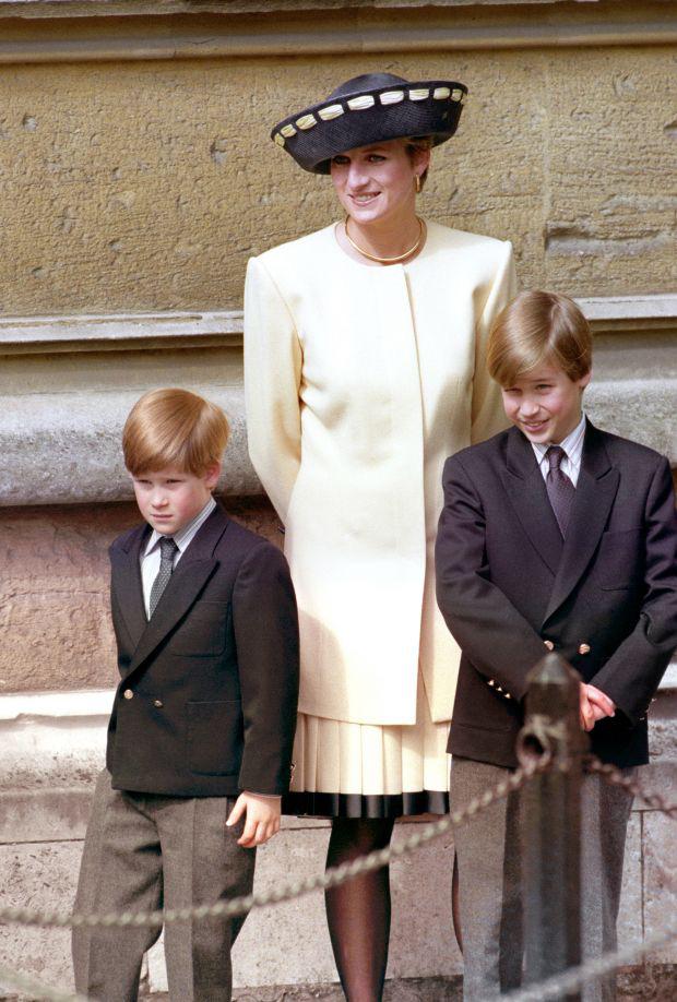 Anh em Hoàng tử William - Harry có quyết định đồng lòng đầu tiên sau khi hàng loạt rạn nứt bị phơi bày trên báo chí, kỳ vọng sẽ sớm hàn gắn? - Ảnh 1.