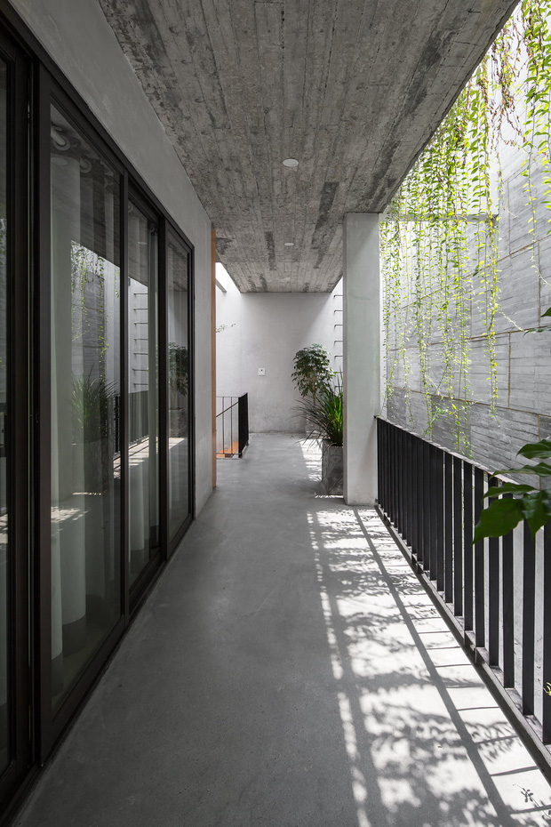 Xây nhà 2,5 tỷ với vật liệu hoàn thiện từ 100% bê tông, cặp vợ chồng khiến người bạn nước ngoài thích thú phải thuê ngay một phòng - Ảnh 7.