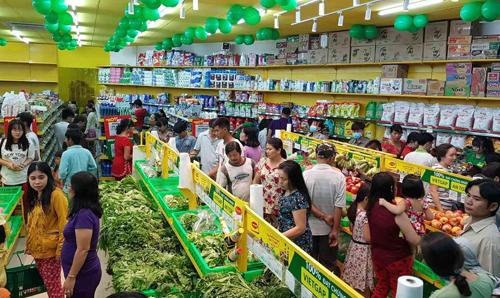 Nielsen: Số người tiêu dùng mua sắm online tại Việt Nam tăng lên 25% kể từ khi dịch bùng phát - Ảnh 1.