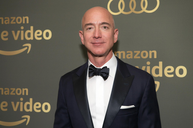 9 sự thật kinh ngạc về sự giàu có của Jeff Bezos, người đàn ông giàu nhất thế giới: Người ta kiếm triệu đô mất cả đời hoặc vài đời, còn Jeff chỉ mất chưa đầy 15 phút - Ảnh 2.