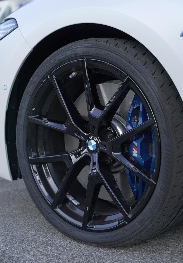 BMW 8-Series đầu tiên về Việt Nam: Giá gần 7 tỷ, to ngang 7-Series nhưng khác biệt hoàn toàn, đấu Porsche Panamera - Ảnh 7.