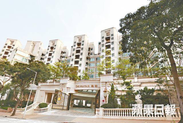 Cuộc sống người tình kém 26 tuổi của thiếu gia giàu nhất Hong Kong: Chim hoàng yến xa hoa bậc nhất nhưng không danh không phận - Ảnh 3.