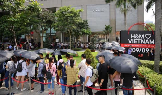Nhiều năm liền khốn đốn ở thị trường thế giới, H&M đang làm ăn thế nào ở Việt Nam? - Ảnh 1.