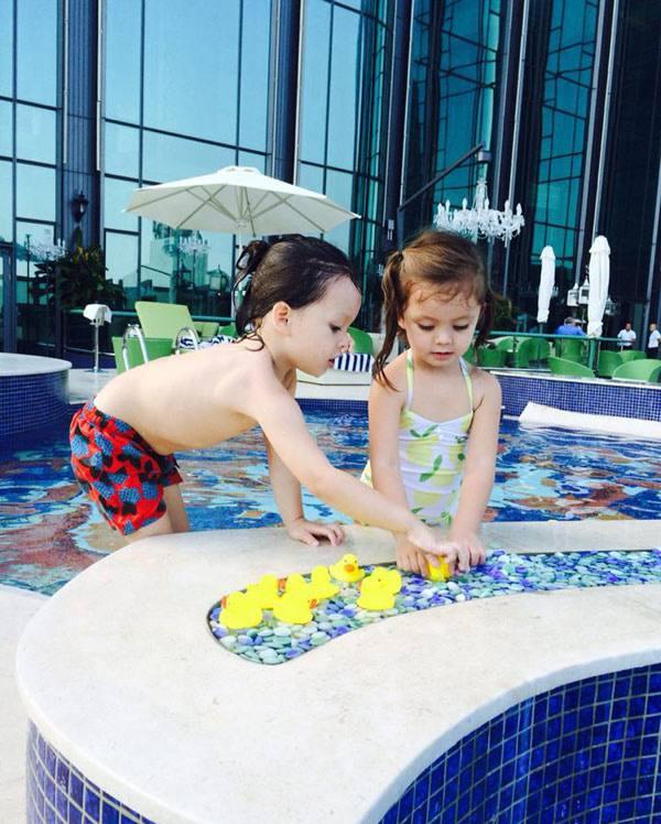 Hội Alpha Kid con nhà gia thế khủng showbiz Việt bé nào chân cũng dài miên man, tất cả là nhờ cha mẹ cho tập môn thể thao này - Ảnh 5.