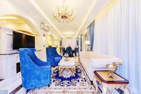 Em gái Lý Hải giàu có mức nào mà chịu chi 140 tỷ VNĐ để mời NTK Thái Công tân trang nhà: Được chồng đại gia chiều không tiếc thứ gì, biệt thự lộng lẫy như cung điện - Ảnh 5.