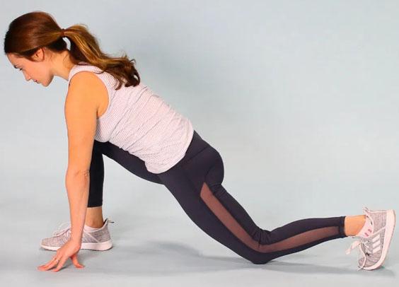 7 bài tập giãn cơ bạn nên thực hiện hàng đêm để vừa ngủ ngon lại giảm đau mỏi sau một ngày làm việc - Ảnh 5.
