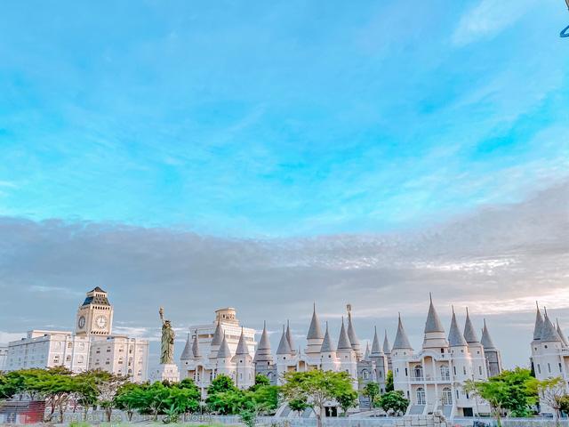 5 ngôi trường cổ kính tại Việt Nam, bước vào cứ ngỡ như đang sống trong lâu đài giữa trời Âu: Không con nhà giàu thì cũng toàn nhân tài ưu tú mới có suất học - Ảnh 6.