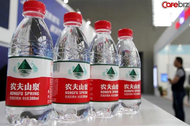 """Một tay bán thực phẩm chức năng, một tay bán nước thành người giàu có nhất, tỷ phú được mệnh danh """"con sói cô đơn"""" vượt mặt Jack Ma ở thị trường Trung Quốc - Ảnh 1."""