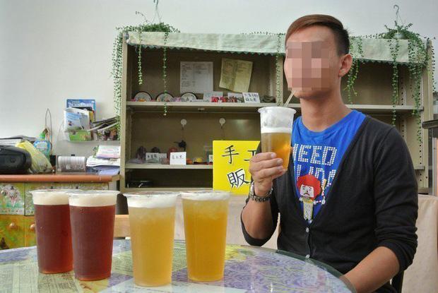 Chàng trai 27 tuổi bị thối chân, biến dạng khớp, bàn tay phủ đầy hạt tophi vì loại nước uống yêu thích của nhiều người - Ảnh 5.