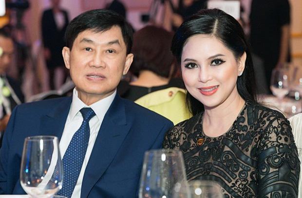 Tỷ phú Johnathan Hạnh Nguyễn từng yêu điên cuồng: Đi mọi chuyến bay mà vợ làm tiếp viên, vé có thể lấp đầy cả một căn phòng lớn - Ảnh 6.