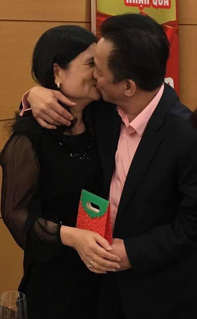 Chuyện ngôn tình của đại gia Việt: Trên thương trường hô mưa gọi gió, về nhà vẫn điên cuồng vì yêu - Ảnh 3.