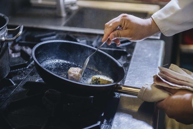 Bếp trưởng nhà hàng Hà Nội lọt top 100 châu Á: Bỏ sự nghiệp nước ngoài, về nước với công thức thành công chỉ sau 2 năm - Ảnh 18.