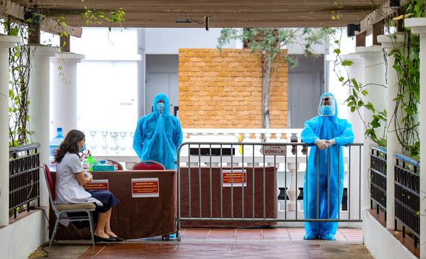 Phó Chủ tịch Hà Nội: Chống dịch Covid-19 sai một li là đi rất xa chứ không phải 1 dặm thôi đâu - Ảnh 1.