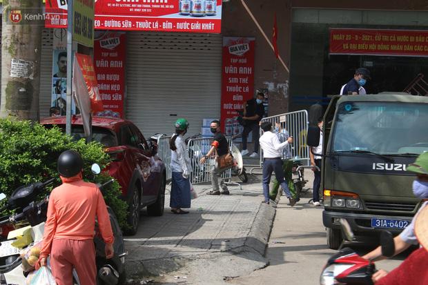 Hà Nội: Phong tỏa chung cư Đại Thanh sau khi ghi nhận ca dương tính với SARS-CoV-2 - Ảnh 2.