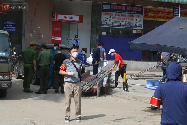 Hà Nội: Phong tỏa chung cư Đại Thanh sau khi ghi nhận ca dương tính với SARS-CoV-2 - Ảnh 3.