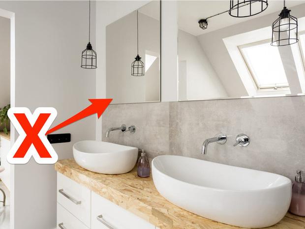 7 lỗi thiết kế ngớ ngẩn trong phòng tắm mà nhiều người mắc phải - Ảnh 3.