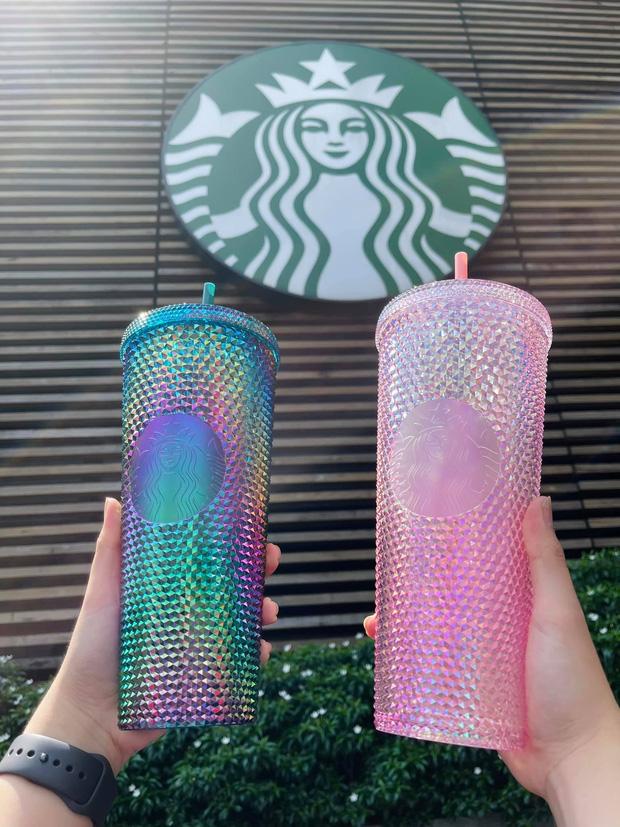 HOT: 7h sáng đăng thông báo bán cốc mới, Starbucks khiến dân tình nháo nhào chạy ra săn cho bằng được, giá bán lại bị hét gấp đôi? - Ảnh 5.