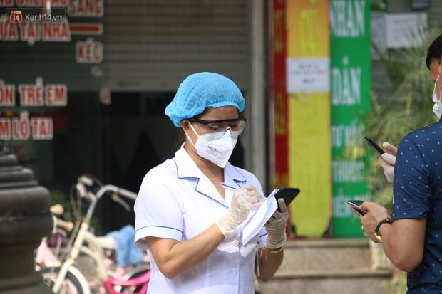 Hà Nội: Phong tỏa chung cư Đại Thanh sau khi ghi nhận ca dương tính với SARS-CoV-2 - Ảnh 7.