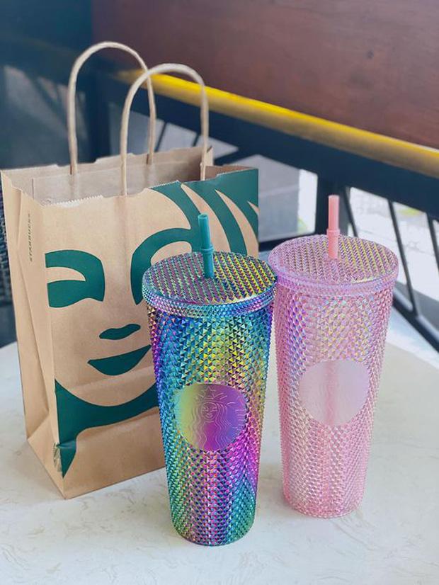 HOT: 7h sáng đăng thông báo bán cốc mới, Starbucks khiến dân tình nháo nhào chạy ra săn cho bằng được, giá bán lại bị hét gấp đôi? - Ảnh 12.