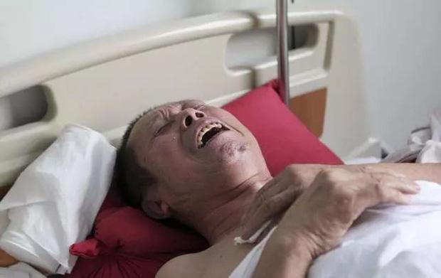 Người đàn ông đau vai suốt 1 năm được chẩn đoán mắc ung thư gan, bác sĩ chỉ ra 2 thói quen là thủ phạm mà nhiều người mắc phải - Ảnh 1.