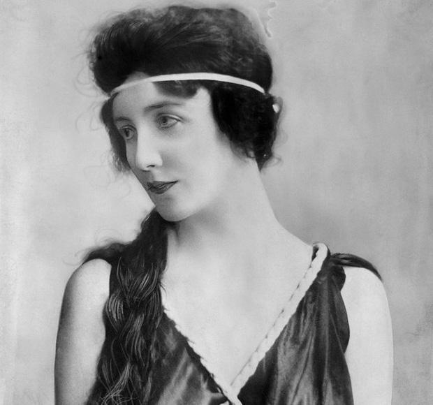 Vệ thần nước Mỹ - nữ siêu mẫu đầu tiên của Hollywood: Sự nghiệp huy hoàng nhưng giờ chẳng ai nhớ đến khi ánh hào quang đã vụt tắt - Ảnh 1.