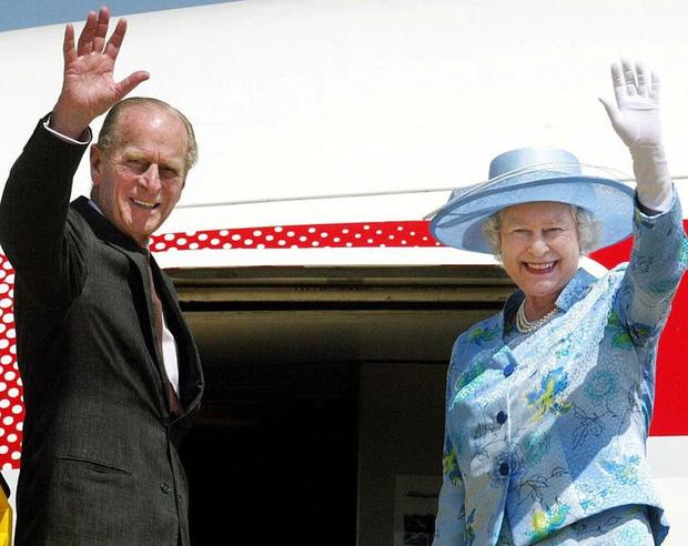 9 điều Nữ hoàng Anh Elizabeth II tuyệt đối không bao giờ làm: Vậy mới thấy Hoàng gia Anh nghiêm khắc đến mức nào - Ảnh 7.