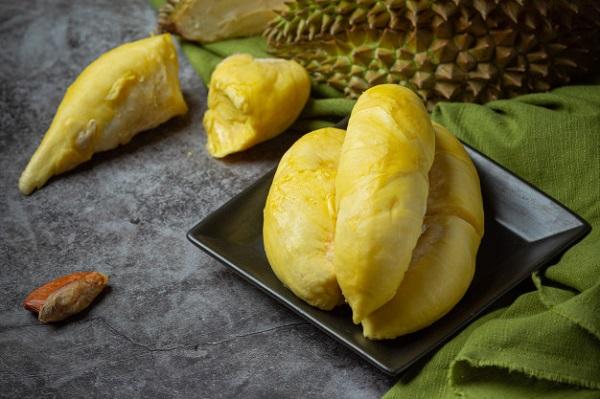 Sầu riêng rất ngon nhưng người có 6 đặc điểm dưới đây ăn vào sẽ ôm họa và cần lưu ý vài điều để ăn sầu không bị nóng, không tăng cân - Ảnh 2.