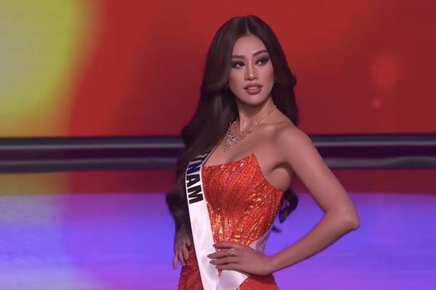 Cận cảnh trang phục dạ hội Khánh Vân diện tại Bán kết Miss Universe: Tinh xảo tôn trọn sắc vóc, bất ngờ ý nghĩa sâu sắc đằng sau - Ảnh 1.