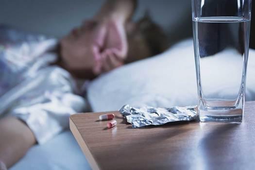 Cảnh báo mối nguy khi lạm dụng thuốc ngủ trong đại dịch COVID-19 - Ảnh 1.