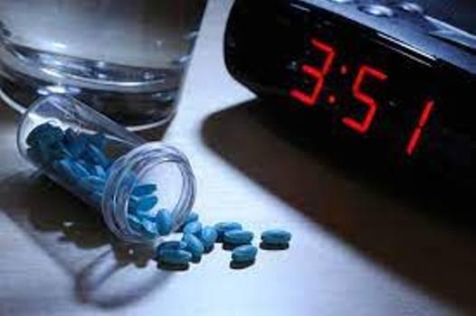 Cảnh báo mối nguy khi lạm dụng thuốc ngủ trong đại dịch COVID-19 - Ảnh 2.
