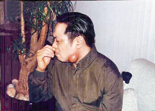 La Triệu Huy: Tỷ phú sở hữu gia sản 6000 tỷ từng bao nuôi Viên Vịnh Nghi, cặp kè hơn 30 mỹ nhân Cbiz nhận cái kết thảm cuối đời  - Ảnh 15.