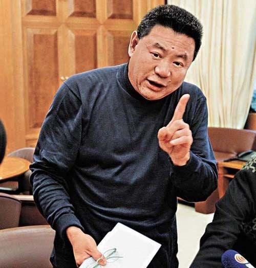 La Triệu Huy: Tỷ phú sở hữu gia sản 6000 tỷ từng bao nuôi Viên Vịnh Nghi, cặp kè hơn 30 mỹ nhân Cbiz nhận cái kết thảm cuối đời  - Ảnh 3.