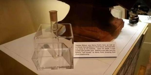 Những vĩ nhân thân xác không còn nguyên vẹn sau khi mất: Não của Einstein thậm chí bị cắt thành 240 mảnh - Ảnh 10.