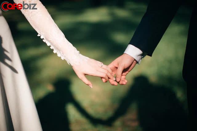 Ăn một bữa lẩu, tôi ngộ ra 3 chân tướng trong hôn nhân: Chọn nước dùng là chọn người, pha nước chấm là những chuyện vặt vãnh, muốn nồng nhiệt và đủ vị cần tinh - Ảnh 2.