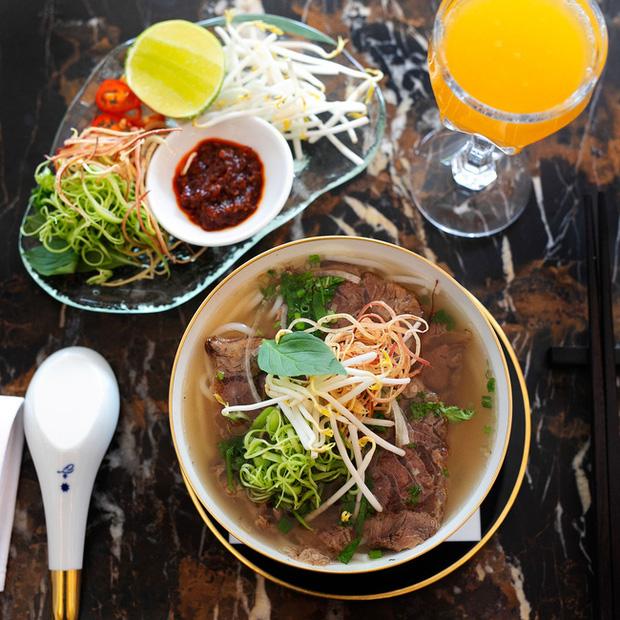 """Trước khi đóng cửa, nhà hàng của NTK Thái Công cầu kỳ và đẳng cấp tới mức này: Không được gọi nhân viên là """"Em ơi"""", chỉ nhận đặt bàn tối đa 6 khách - Ảnh 8."""