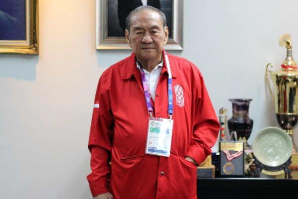 Phong cách sống khiến nhiều người nể phục của tỷ phú suốt 12 năm giàu nhất Indonesia: Ăn uống dân dã, chăm chỉ rèn luyện trí tuệ, 78 tuổi giành huy chương đồng ASIAD - Ảnh 4.
