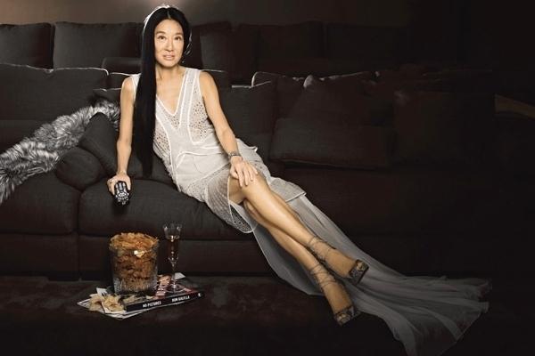 """NTK váy cưới nổi tiếng thế giới, 40 tuổi khởi nghiệp, trở thành """"nữ hoàng váy cưới"""", 71 tuổi vẫn sexy như thiếu nữ: Để thành công, đó là cuộc chiến mỗi ngày! - Ảnh 5."""