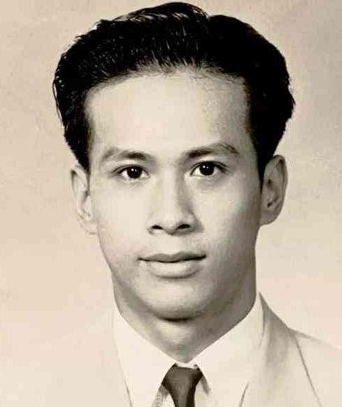 Cuộc đời bi thảm của con gái của ông trùm ngành đồng hồ Hong Kong: Xinh đẹp, tài giỏi nhưng bất chấp kết hôn với người anh họ tỉ phú Lý Gia Thành, hy sinh tất cả để đổi lại cái chết bất đắc kì tử - Ảnh 3.