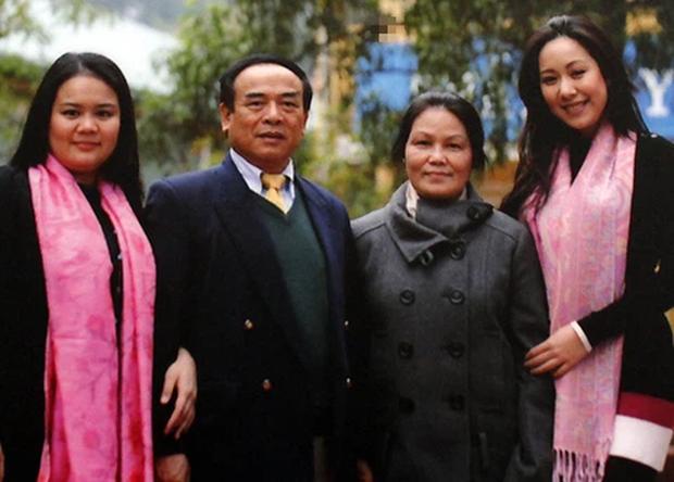 Hoa hậu có gia thế khủng nhất nhì Việt Nam: Gia đình quyền quý lại học giỏi, được cả Tổng thống Mỹ trao bằng khen, dạy con thì hay thôi rồi - Ảnh 2.