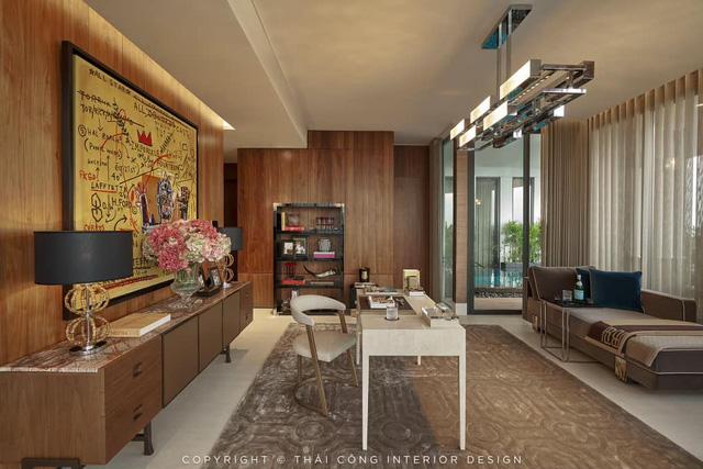 Bức tranh treo trong căn penthouse do Thái Công thiết kế bị đặt nghi vấn: Liệu có đúng là tranh thật nguyên bản hay chỉ là bản in thương mại? - Ảnh 1.