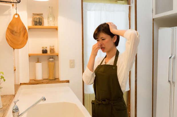 Ngửi thấy 4 mùi lạ trong nhà, hãy sơ tán ngay vì chúng sẽ phá hủy sức khỏe, thậm chí nguy hiểm tính mạng của bạn - Ảnh 2.