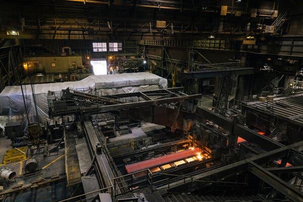 Giá thép tăng vọt báo hiệu giai đoạn bùng nổ của các hãng sản xuất thép - Ảnh 1.