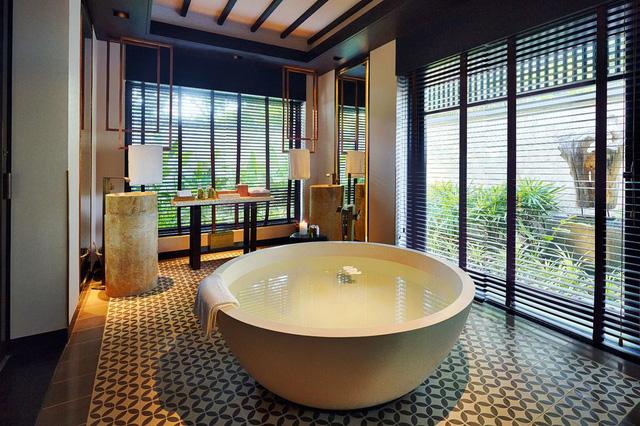"""Cận cảnh resort 5 sao của gia đình hoa hậu Phương Lê: Thuê kiến trúc sư nổi tiếng Dubai, nhưng từng bị một NTK """"dìm hàng"""" vì mâu thuẫn cá nhân? - Ảnh 5."""