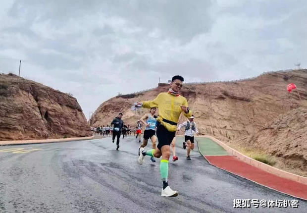 Nguyên nhân 21 tuyển thủ Trung Quốc chết thảm: Đơn giản nhưng khó ngờ, càng khỏe càng dễ gục - Ảnh 1.