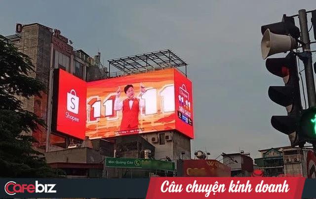 Kém may như Shopee: Từ thủ thành Bùi Tiến Dũng tới danh hài Chí Tài - Hoài Linh, hễ bắt tay người nổi tiếng là vướng phải trục trặc truyền thông? - Ảnh 3.