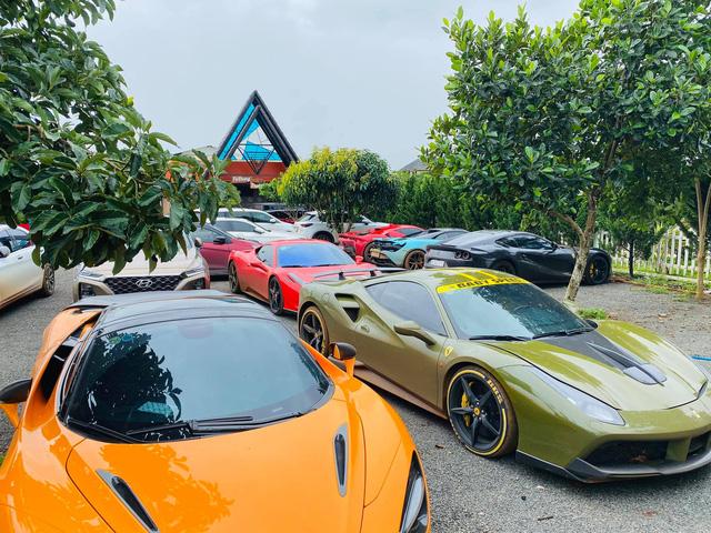 Dàn siêu xe của giới đại gia Sài Gòn bất ngờ xuất hiện tại Đắk Nông - Ảnh 2.