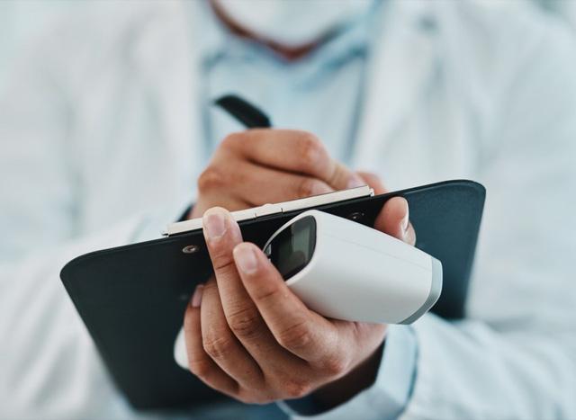 CDC Mỹ khẳng định, cứ 37 giây lại một người tử vong vì bệnh tim mạch: Khi có 4 tín hiệu nhắc nhở từ cơ thể này, đừng bao giờ bỏ qua! - Ảnh 4.