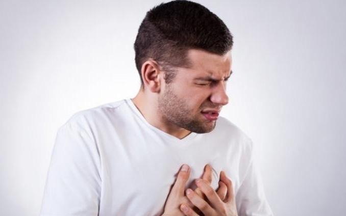"""CDC Mỹ khẳng định, cứ 37 giây lại một người tử vong vì bệnh tim mạch: Khi có 4 """"tín hiệu"""" nhắc nhở từ cơ thể này, đừng bao giờ bỏ qua!"""